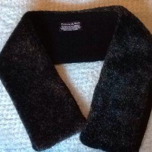 Preston & York scarf/collar